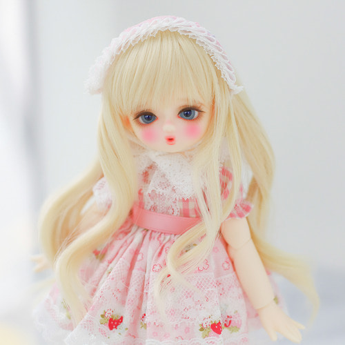[Bebe] Strawberry chou