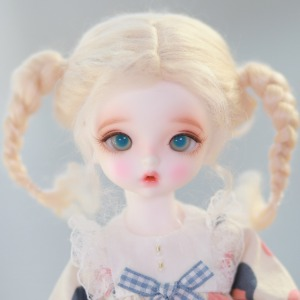 "[6-7""] Natural pigtails (Mohair)Blond"